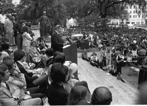 Governor_Reubin_Askew_addresses_an_ERA_rally_dnd0198