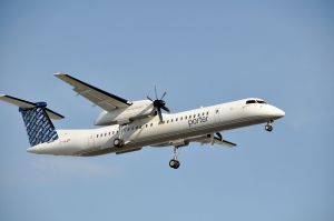 1280px-Porter_Airlines.Dash-8.YUL.2009