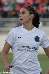 Alex_Morgan_2013-05-04_Spirit_-_Thorns-109_(8964376243)