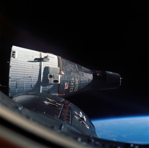 Gemini_7_in_orbit_-_GPN-2006-000035