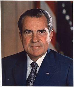 Richard_M._Nixon,_ca._1935_-_1982_-_NARA_-_530679 (2)
