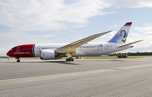 By Norwegian Air Shuttle [CC BY 3.0 (http://creativecommons.org/licenses/by/3.0)], via Wikimedia Commons