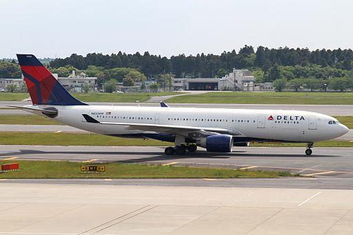 By Kentaro Iemoto from Tokyo, Japan (Delta A330-200(N855NW)) [CC BY-SA 2.0 (http://creativecommons.org/licenses/by-sa/2.0)], via Wikimedia Commons