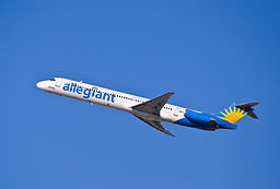 By InSapphoWeTrust from Los Angeles, California, USA (Allegiant Air - N418NV) [CC BY-SA 2.0 (http://creativecommons.org/licenses/by-sa/2.0)], via Wikimedia Commons